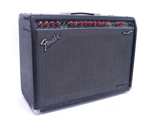 fender powerchorus 2x12 combo hoes